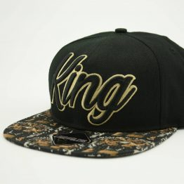 king_snapback-cap_zijkant