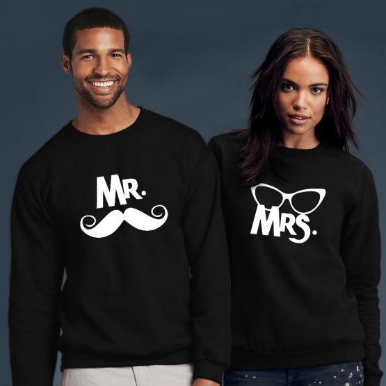 Mr Mrs sWeater snor bril