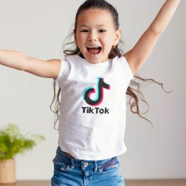 TikTok T-Shirt Wit