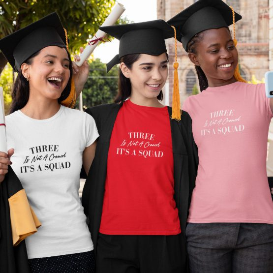 BFF T-shirt Three Is Not A Crowd Sfeerfoto